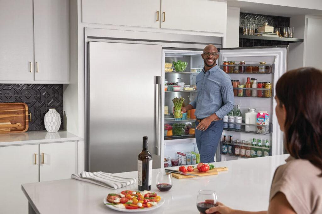 Photo of Frigidaire Refrigerator FPRU19F8WF